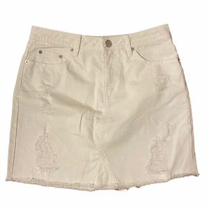White Denim skirt. Distressed sz 2